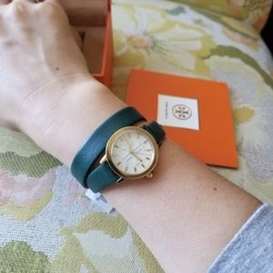 WATCH Tory Burch  Gigi Double-Wrap Green Leather